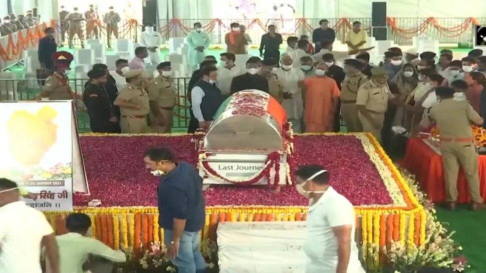 अलीगढ़ पहुंचा कल्याण सिंह का पार्थिव शरीर तो लगे जय श्रीराम के नारे, कल होगा अंतिम संस्कार