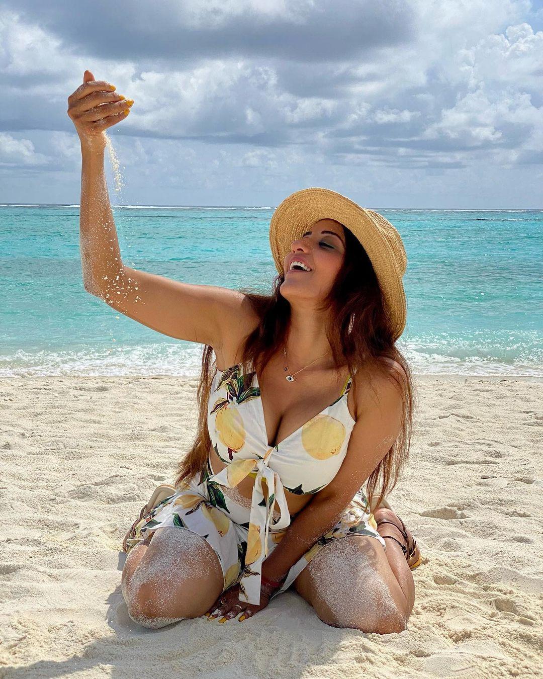 Monalisa Bikini Photos