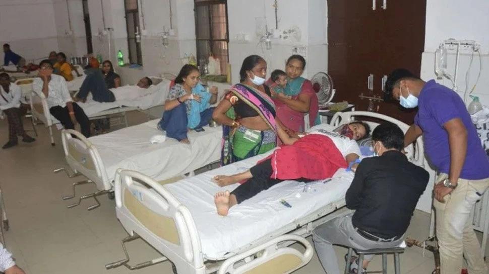 UP: Firozabad में रहस्यमयी बुखार का कहर, अब तक 50 की मौत; CM योगी ने CMO को पद से हटाया