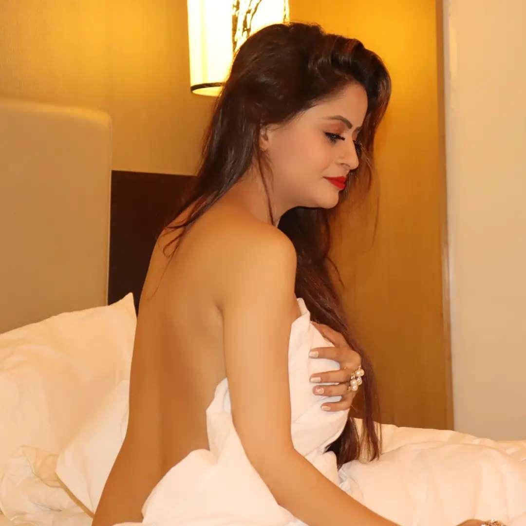Gehana Vassisth Nude Photoshoot