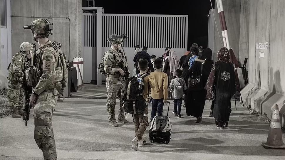 Kabul Attack: अमेरिका से आतंकी को पहचानने में हुई बड़ी भूल, जवाबी हमले में निर्दोष को मार गिराया!
