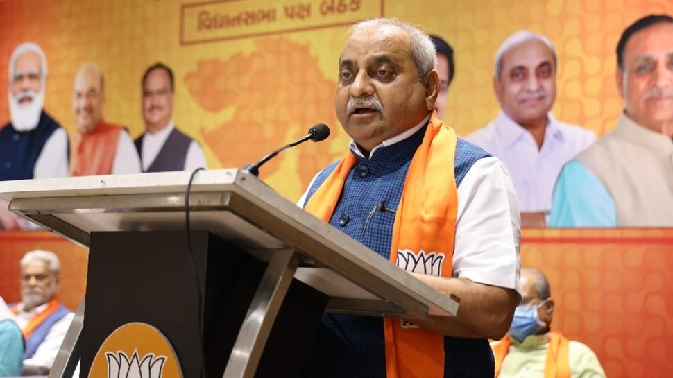 Gujarat CM नहीं बनाए जाने पर भावुक हुए नितिन पटेल, कहा-18 साल की उम्र से BJP में कर रहा हूं काम