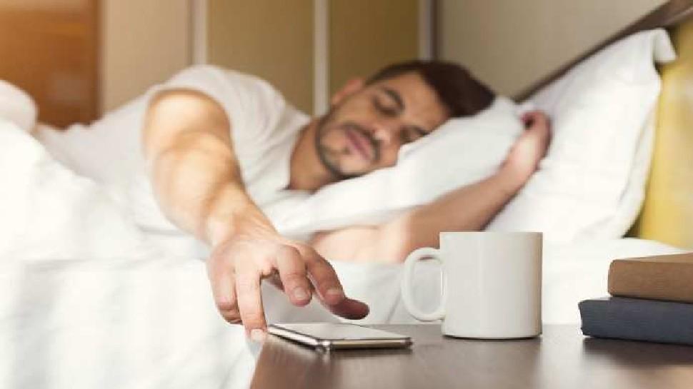Bad habits of morning: सुबह उठकर भूलकर भी न करें ये 4 गलतियां, हालत हो सकती है खराब