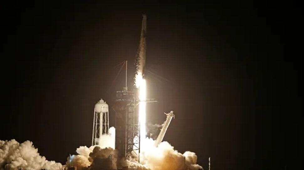 Spacex Inspiration4 Mission: स्पेस में पहला ऑल सिविलियन क्रू, एलन मस्क की कंपनी SpaceX ने रचा इतिहास