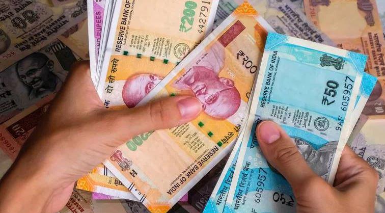 PM Kisan Yojana: इस तारीख से पहले कर लिया ये काम तो किसानों के खाते में आएंगे 4000 रुपये