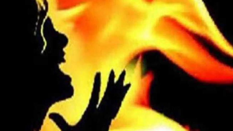 पुजारी ने पहले पत्नी को धारदार हथियार से काटा फिर जिंदा जलाया, वजह जानकर हैरान रह जाएंगे