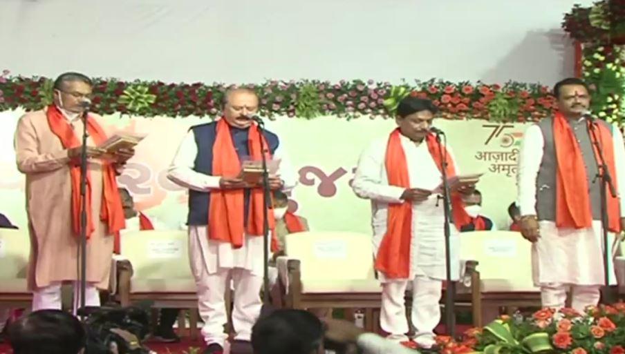 Gujarat Swearing-in ceremony: टीम भूपेंद्र पटेल का हुआ शपथ ग्रहण, देखिए नए मंत्रियों की पूरी लिस्ट