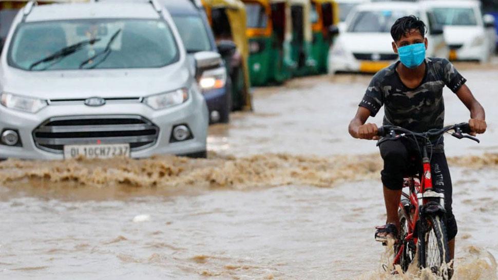 यूपी में बारिश का रेड अलर्ट, 17 और 18 सितंबर को सभी स्कूल-कॉलेज बंद रखने के आदेश