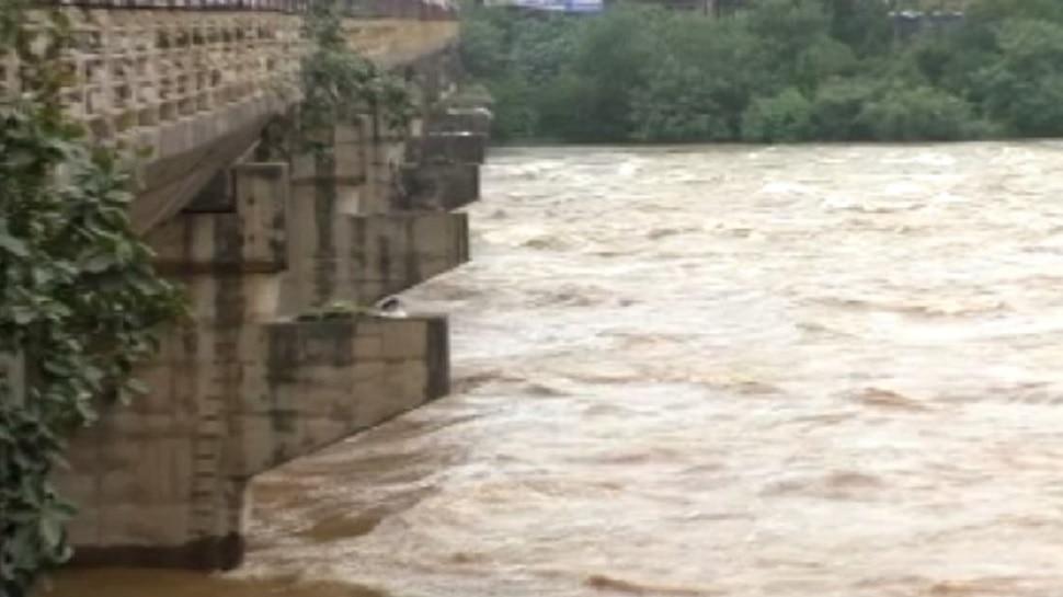 'जल' ने जाम की जिंदगी ! जमशेदपुर में बाढ़ का खतरा मंडराया, चांडिल डैम से छोड़ा गया पानी
