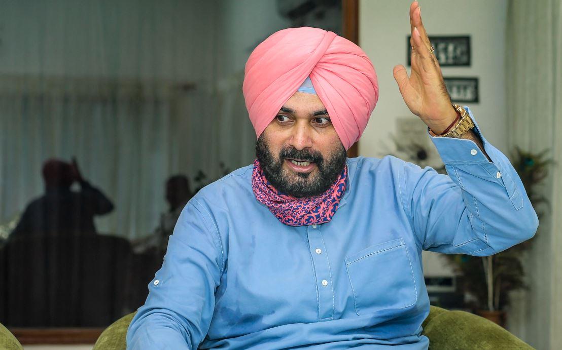 AAP ने कहा- पंजाब की राजनीति के राखी सावंत हैं नवजोत सिंह सिद्धू