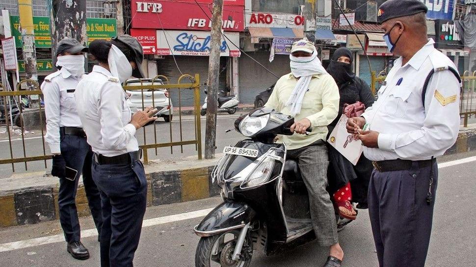 महिला यात्रियों से परेशान ट्रैफिक पुलिस कर्मी, जांच में बन रही सबसे बड़ी बाधा