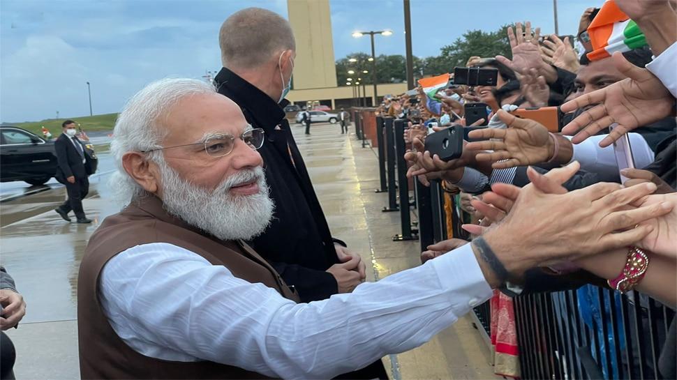 PM Modi पहुंचे America, Tweet कर बताया लंबी दूरी की फ्लाइट में कैसे बिताते हैं वक्त