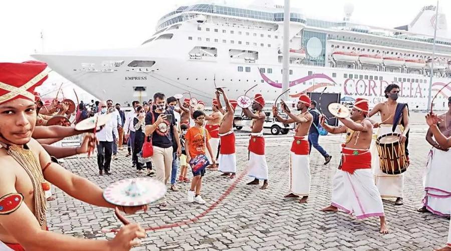 Kerala: कोरोना काल के बाद कोच्चि बंदरगाह पहुंचा पहला लग्जरी क्रूज