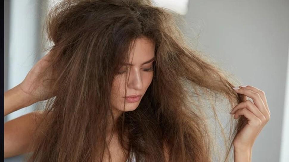 Hair care tips: मानसून में कभी न करें ये गलतियां, खराब हो जाएंगे बाल