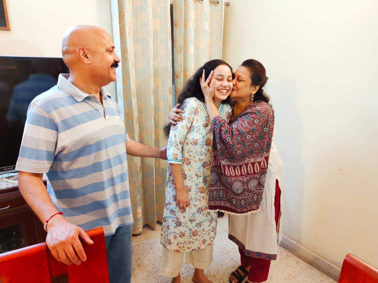 UPSC Result: Ria Dabi की सफलता में बहन Tina Dabi के टिप्स आए काम, 12-13 घंटे करती थीं पढ़ाई
