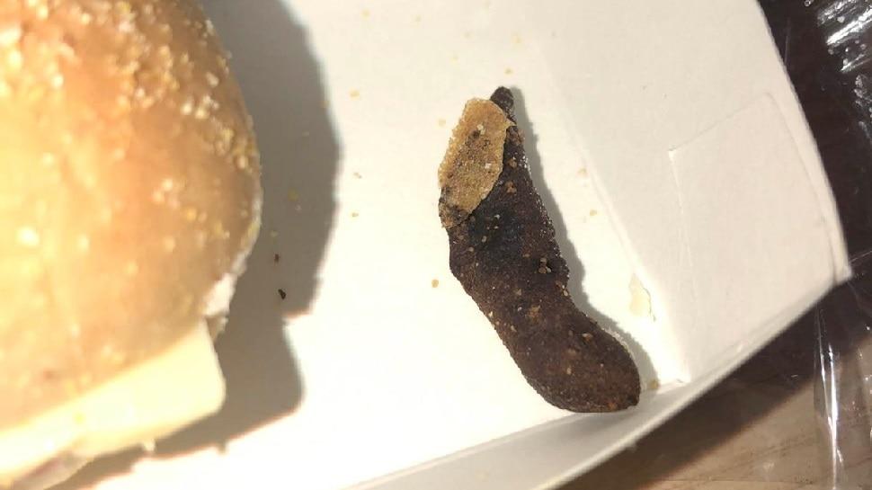 Weird News: शख्स को सैंडविच में मिली इतनी गंदी चीज, अब खाने से पहले सोचेगा हजार बार