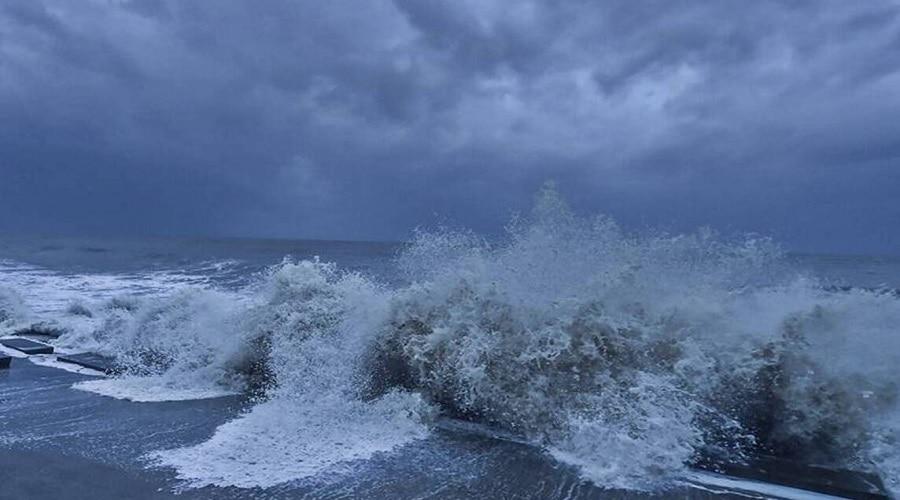 Cyclone Gulab: ओडिशा और आंध्र में तूफान का कहर, तेज किया गया राहत अभियान
