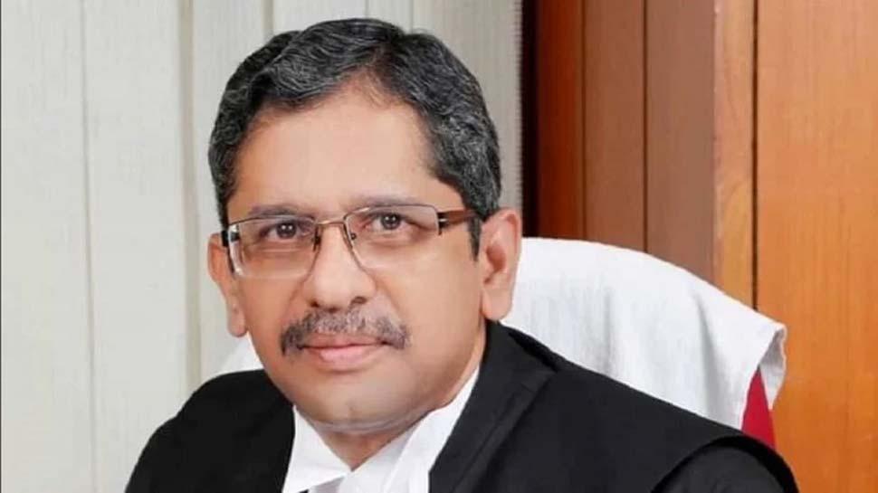 न्यायपालिका में 50 फीसदी आरक्षण के लिए महिला वकील रोएं नहीं बल्कि चिल्लाकर अपनी मांग उठाएंः CJI