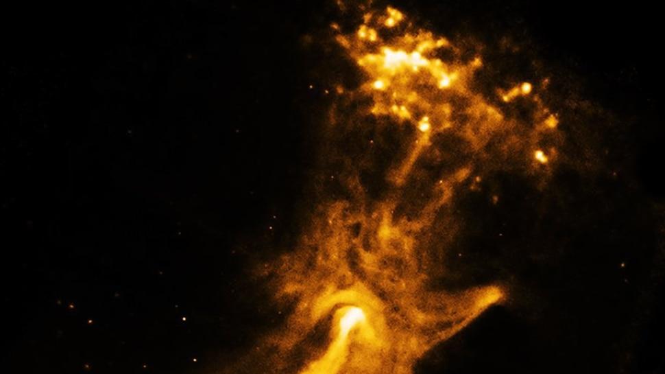 NASA posts image of nebula energy, popularly known as the 'Hand of God' | अंतरिक्ष में कहां से आया 'भगवान का हाथ', NASA ने बताई पीछे की कहानी