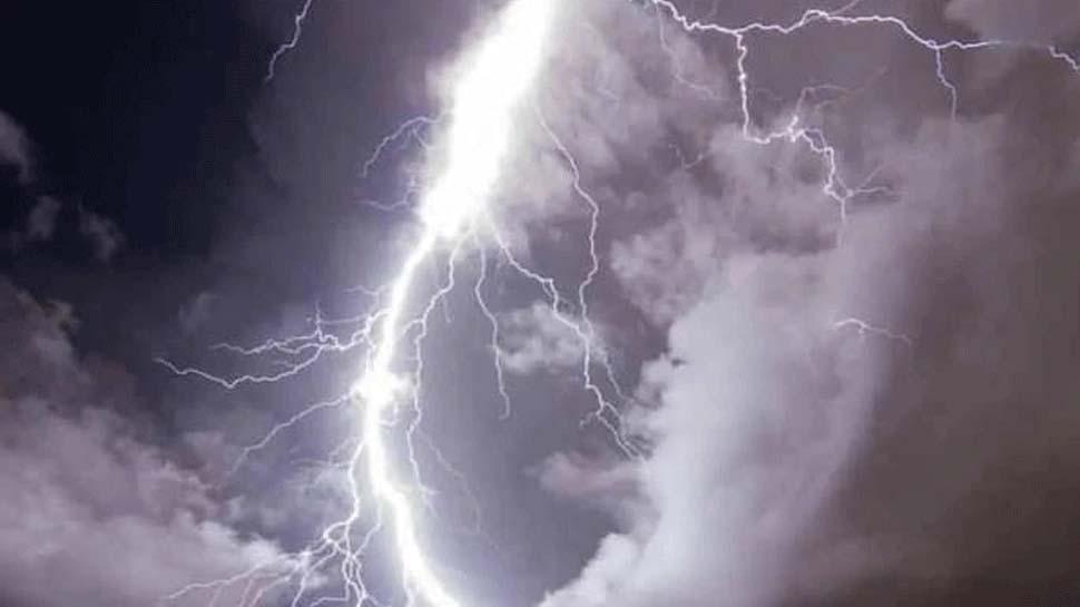 MP में आकाशीय बिजली की चपेट में आए 11 लोगः दो महिलाओं सहित चार की मौत, 7 घायल