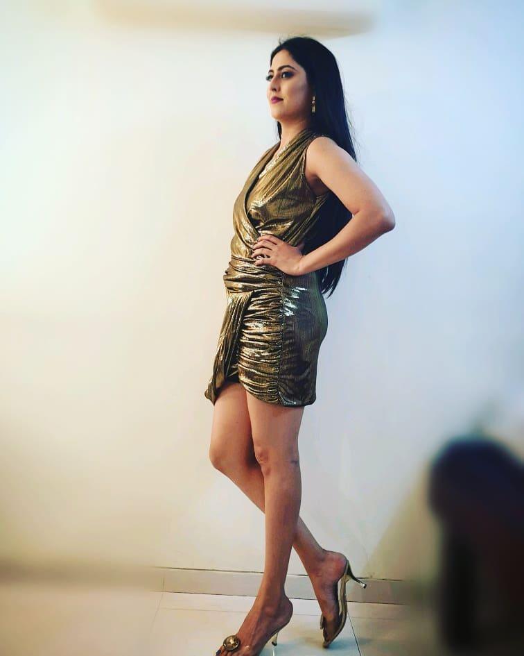 Monika bhadoriya social media