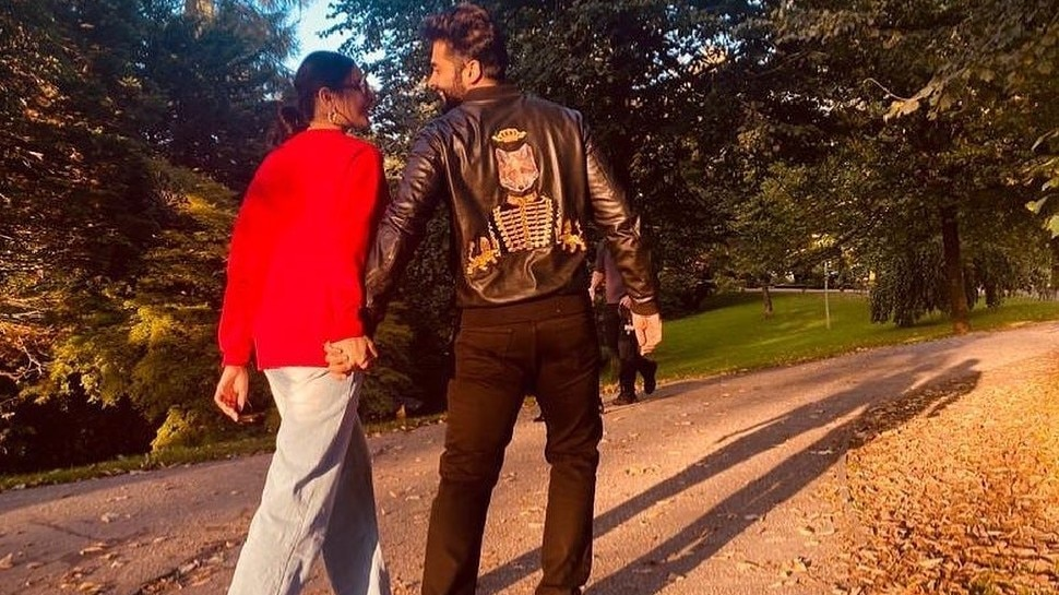 Rakul Preet Singh shares photo with boyfriend Jackky Bhagnani on her birthday |  Rakul Preet Singh surprises fans on birthday, shares romantic photo with boyfriend