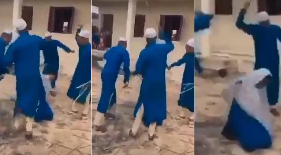 Father ने बेटी पर लगाया शराब पीने का आरोप, Teachers ने सरेआम दे डाली खौफनाक सजा
