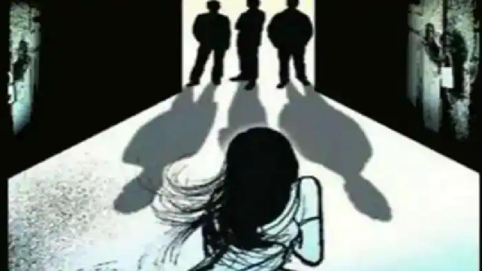 रिश्ते शर्मसार: 11 साल की उम्र से लगातार रेप, नाबालिग छात्रा ने पिता, SP-BSP के जिलाध्यक्षों समेत 28 पर लगाया आरोप
