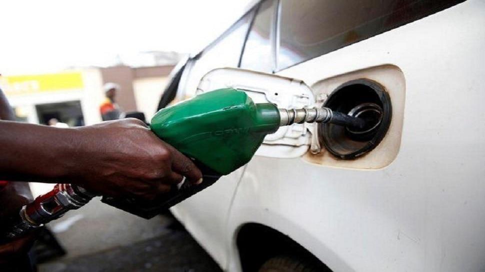 Petrol Diesel Price today: महाअष्टमी को राहत, घर बैठे SMS से चेक करें अपने शहर में तेल के रेट