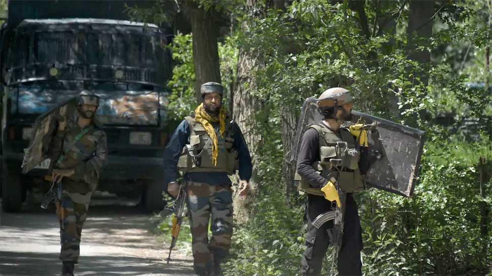 कश्मीर से कैसे होगा आतंकियो का सफाया? GoC 15 कोर कमांडर Lt Gen ने किया खुलासा