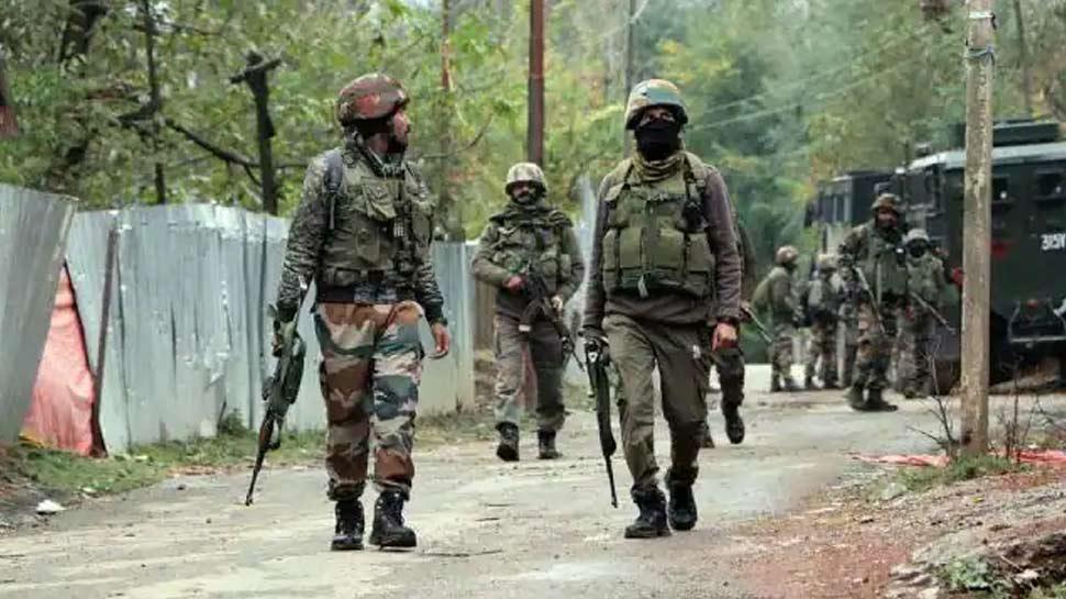 J&K: पुलवामा में सुरक्षाबलों को बड़ी कामयाबी, जैश कमांडर शमीम सोफी को किया ढेर