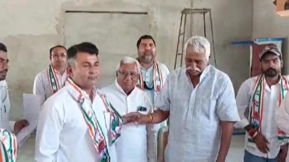 Sri Ganganagar: रायसिंहनगर में BJP को लगा बड़ा झटका, 16 पार्षद Congress में हुए शामिल