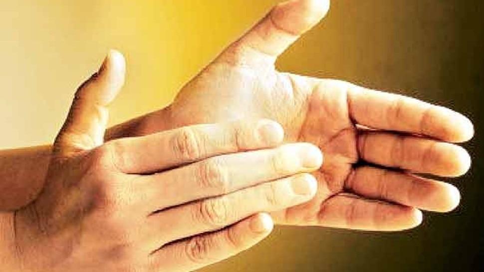 Benefits of clapping: ताली बजाना कई बीमारियों को कर सकता है दूर, जानिए इसके जबरदस्त फायदे