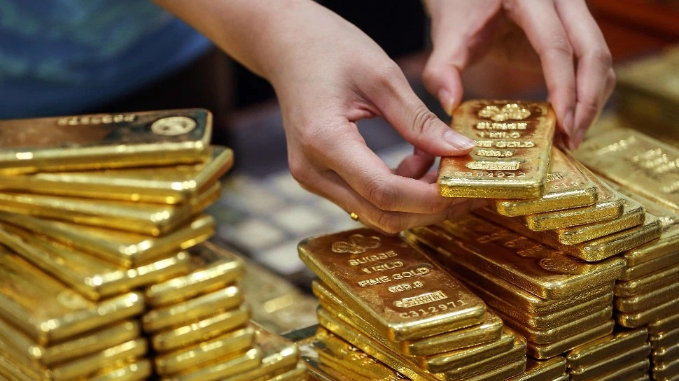Gold Rate Today: नवरात्रि के आखिरी दिन जारी हुए सोने-चांदी के दाम, यहां जानें नई कीमतें