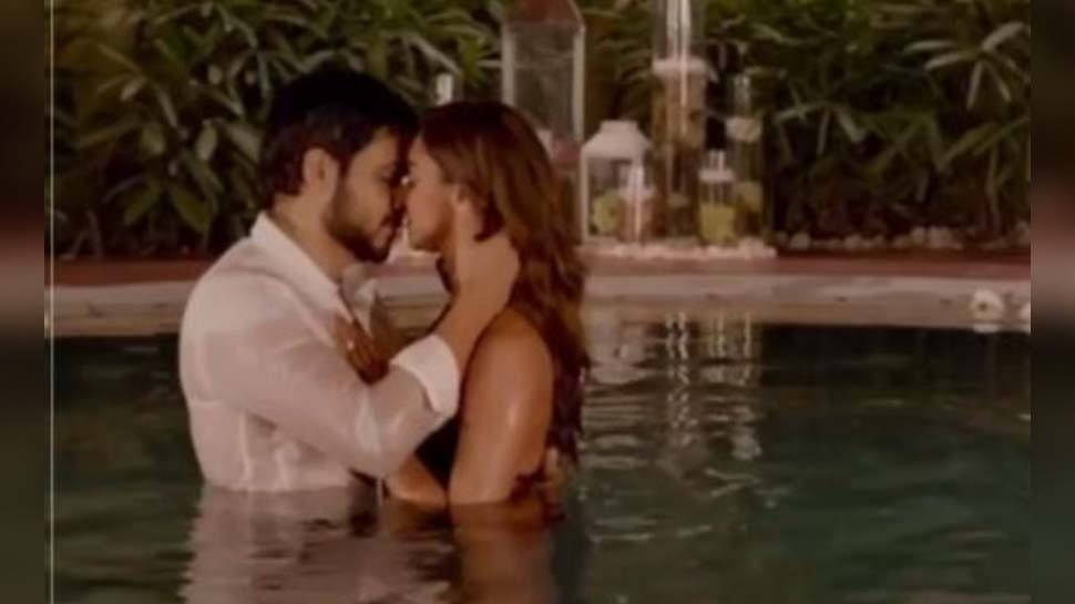 Emraan Hashmi has kissing scene with Krystle D Souza in chehre