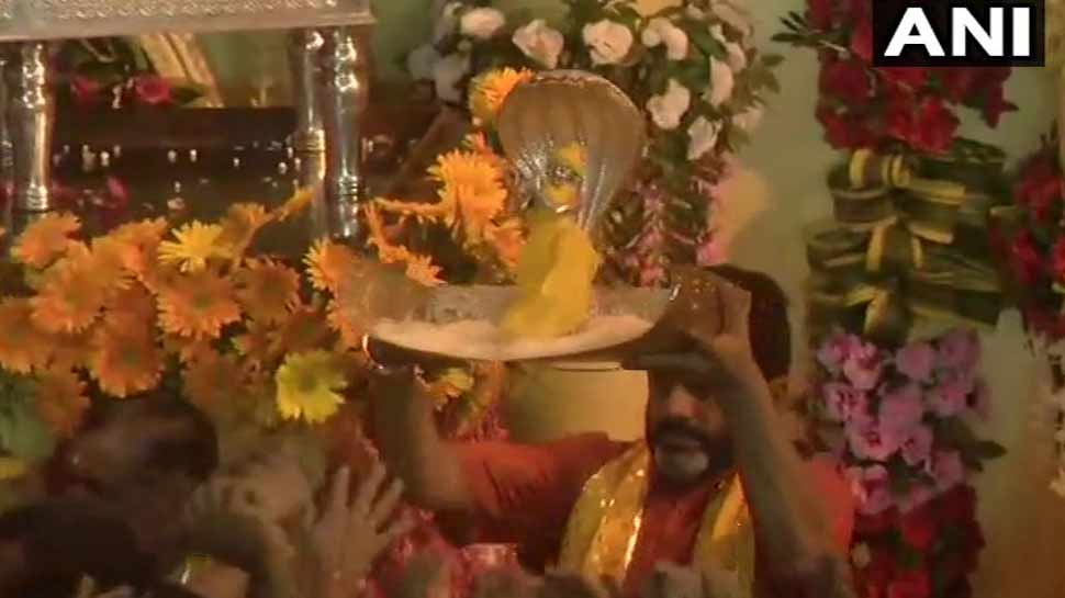 Janmashtami celebrated with joy in the country