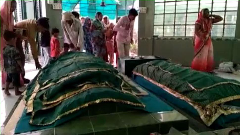 couple visit laila majnu tomb anupgarh for lifetime relationship sri ganganagar