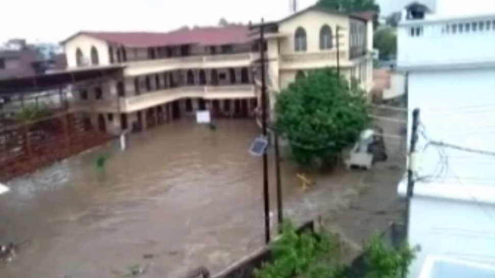 heavy rain in dehradun, 7 died