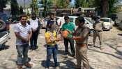 कोरोना त्रासदी में जब 11 साल की आलिया पुलिस को गुल्लक दे आई
