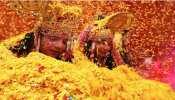 किस दिन है फुलेरा दूज? भगवान कृष्ण को समर्पित इस पर्व के दिन खेली जाती है फूलों की होली