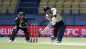 वनडे में दोहरा शतक जड़ने वाले खिलाड़ी की IPL में नहीं लगी बोली, देश के लिये 160 के स्ट्राइक रेट से बरसा रहा रन