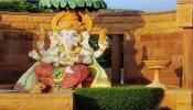 Lord Ganesha Vastu Tips: घर में ऐसे रखिए भगवान गणेश की प्रतिमा, दूर हो जाएंगे सारे वास्तु दोष