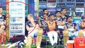 डगआउट में बैठकर क्या गुल खिला रहा कोहली का गेंदबाज? Viral Photo से सोशल मीडिया पर मचा हड़कंप
