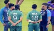 मैच के बाद MS धोनी के आगे हाथ बांधे खड़े दिखे PAK क्रिकेटर्स, ICC ने Video शेयर कर कही ये बात