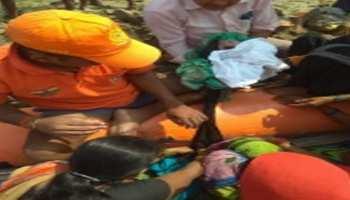 बिहार: बाढ़ में फसी महिला ने एनडीआरएफ की नाव में बच्ची को दिया जन्म