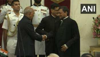 जस्टिस शरद अरविंद बोबडे ने सुप्रीम कोर्ट के मुख्य न्यायाधीश के रूप में शपथ ली, बने 47वें CJI