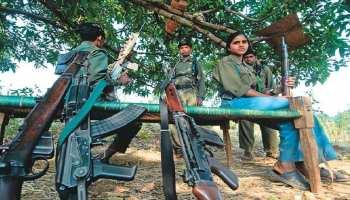 झारखंड: पुलिस मुठभेड़ में 3 महिला नक्सली ढेर, कई हथियार बरामद