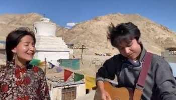 Ladakh की वादियों में देशभक्ति की गूंज, सुनाई दिया 'ऐ गुजरने वाली हवा...', Video देख भावुक हुए लोग