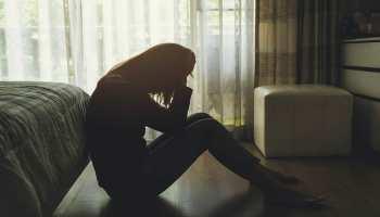 इन तरीकों से दूर भगाएं पार्टनर का Depression, जिंदगी में लौट आएगी खुशी