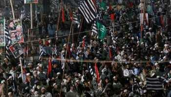 पाकिस्तान में टीएलपी का हिंसक प्रदर्शन, सरकार ने सोशल मीडिया किया ब्लॉक